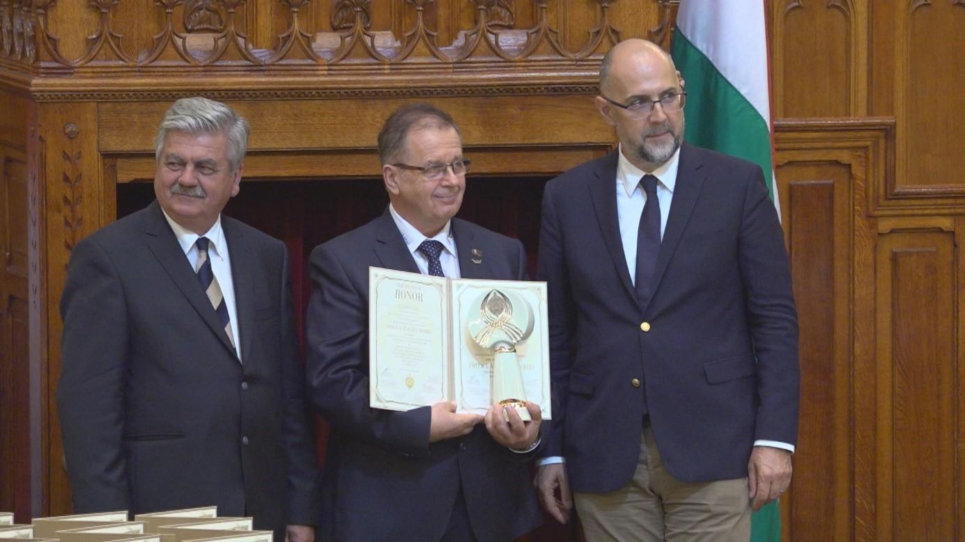 Érték és Minőség Nagydíj kitüntetésben részesült a CSOMIÉP Kft