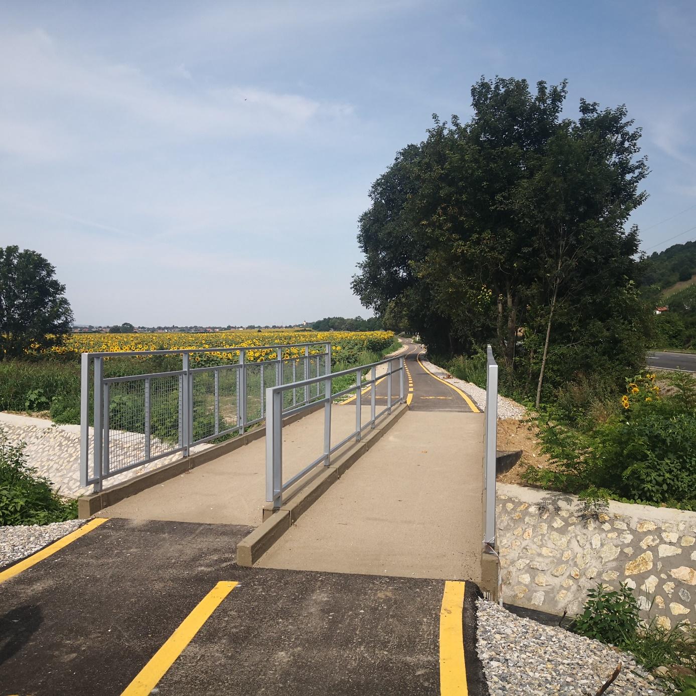 Gyalogos – kerékpáros hidak